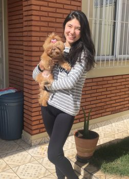 entrevista-com-a-aluna-julia-nishi-anorexia-na-adolescencia