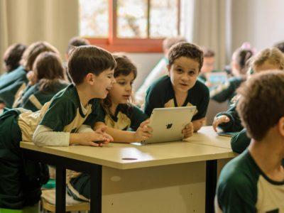 Benefícios do Uso da Tecnologia na Educação